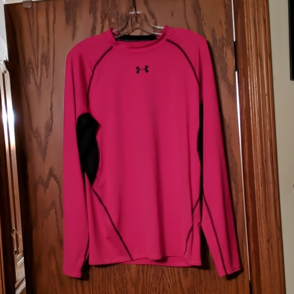 Under Armour Other - Long sleeve Fri fit top